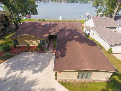 West Bloomfield Twp Single Family Home For Sale: 7942 Flagstaff