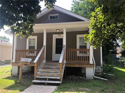 Holly Single Family Home For Sale: 604 E Sherman Street