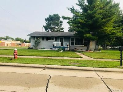 Warren, Eastpointe, Roseville, St Clair Shores Single Family Home For Sale: 11309 Warren Boulevard