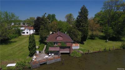 Harrison Twp Single Family Home For Sale: 25610 N River Road
