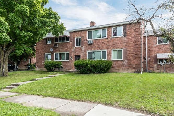 8 Unit Property in Detroit for $400,000