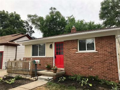 Ferndale, Royal Oak, Berkley, Clawson, Pleasant Ridge, Huntington Woods Single Family Home For Sale: 469 Cambridge