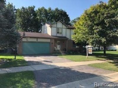 South Lyon Single Family Home For Sale: 630 Kestrel Ridge Drive