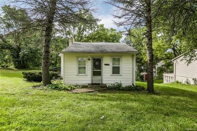 West Bloomfield, West Bloomfield Twp Single Family Home For Sale: 6615 Dandison Boulevard
