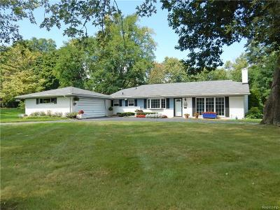 Bloomfield Twp Single Family Home For Sale: 212 W Hickory Grove Road