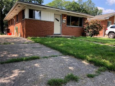Livonia Single Family Home For Sale: 19621 Rensellor Street