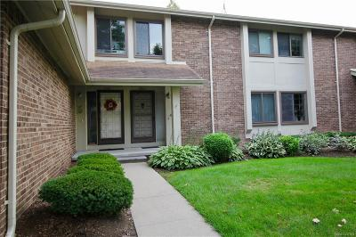 Rochester Hills Condo/Townhouse For Sale: 2861 Trailwood Drive