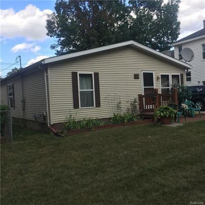 Hazel Park Single Family Home For Sale: 316 W Pearl Avenue