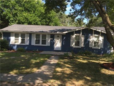 Rochester Hills Single Family Home For Sale: 1147 E Auburn Road