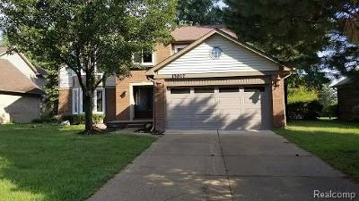 Shelby Twp Single Family Home For Sale: 15017 Cadillac