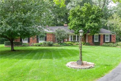 Bloomfield Twp Single Family Home For Sale: 3570 Larkwood Court