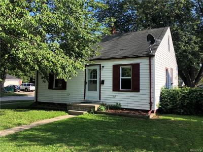 Dearborn Heights Single Family Home For Sale: 24301 Pennie Street