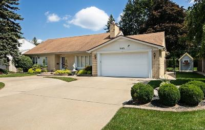 Dearborn Heights Single Family Home For Sale: 1866 Kinmore Street