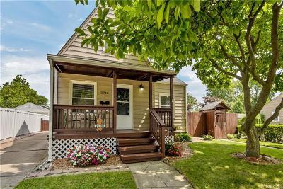Berkley Single Family Home For Sale: 2012 Royal Avenue