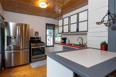 Royal Oak Single Family Home For Sale: 503 Baldwin Avenue