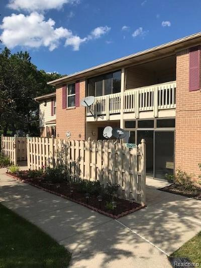 South Lyon Condo/Townhouse For Sale: 61296 Greenwood Drive