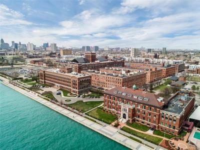 Detroit Condo/Townhouse For Sale: 200 River Place Drive