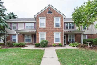 Rochester Hills Condo/Townhouse For Sale: 1623 Emerson Circle