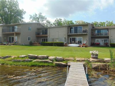 Waterford Twp Condo/Townhouse For Sale: 4912 Lake Point Drive