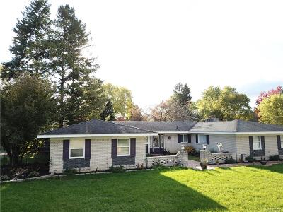 Waterford Twp Single Family Home For Sale: 4177 Conne Mara Lane