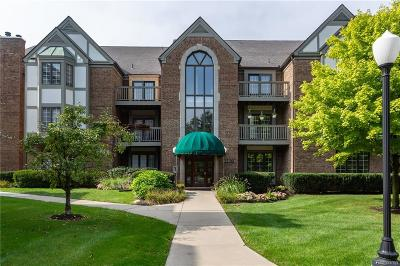 Canton, Farmington, Livonia, Northville, Novi, Plymouth, West Bloomfield Condo/Townhouse For Sale: 785 Deer Court