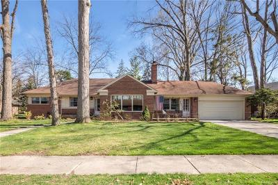 Dearborn Single Family Home For Sale: 730 Golfcrest Drive