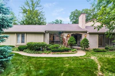 Bloomfield Twp Condo/Townhouse For Sale: 1235 Manorwood Circle