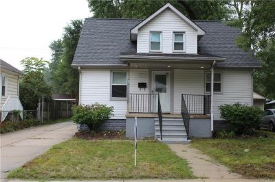 Madison Heights MI Single Family Home For Sale: $135,000