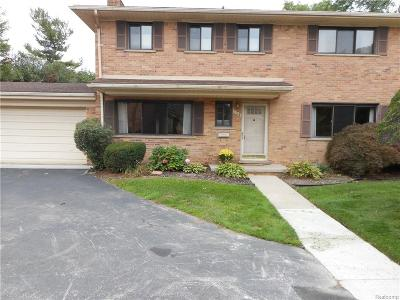 Bloomfield Hills Condo/Townhouse For Sale: 134 E Hickory Grove Road