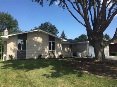 Clinton Twp Single Family Home For Sale: 37601 Pocahontas Drive