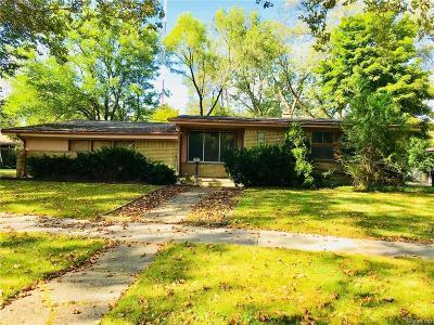 Oak Park Single Family Home For Sale: 15330 Joan Street