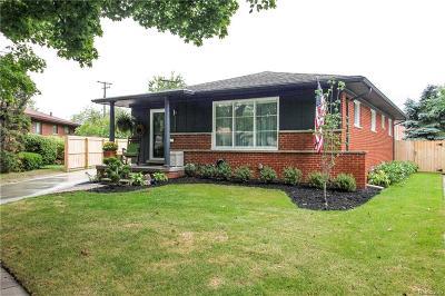 Royal Oak Single Family Home For Sale: 3849 Hillside Court