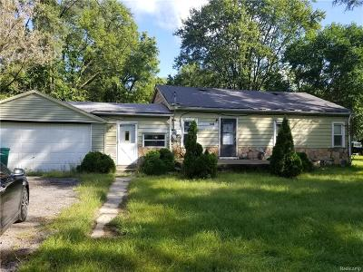 Romulus Single Family Home For Sale: 35156 Ecorse Road