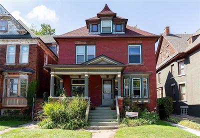 Detroit Single Family Home For Sale: 4743 Trumbull Street