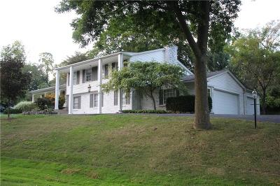 BLOOMFIELD Single Family Home For Sale: 681 E Valley Chase Road
