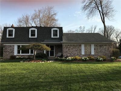 Grosse Ile Twp Single Family Home For Sale: 8228 Thorntree Court