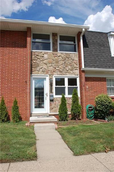 Utica Condo/Townhouse For Sale: 45128 Kensington Street