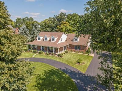 Commerce Twp Single Family Home For Sale: 3937 South Shore Drive Drive