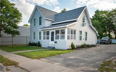 Holly Single Family Home For Sale: 312 N Saginaw Street