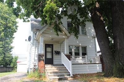 Hazel Park Single Family Home For Sale: 23759 Carlisle Avenue