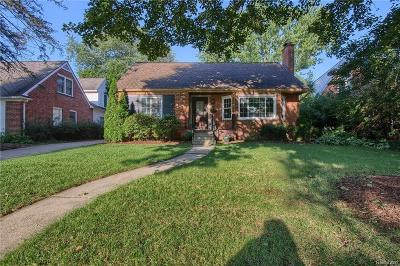 Plymouth Single Family Home For Sale: 986 Harding Street