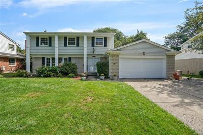 Livonia Single Family Home For Sale: 15740 Gary Lane