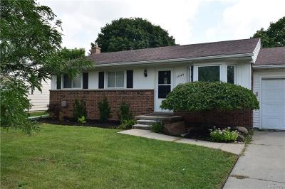 Canton, Canton Twp Single Family Home For Sale: 1444 N Sheldon Road