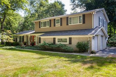 Bloomfield Twp Single Family Home For Sale: 4681 Charing Cross Road