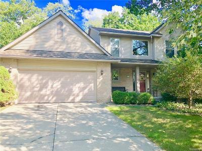 Commerce Twp Single Family Home For Sale: 3100 W Ridge Court