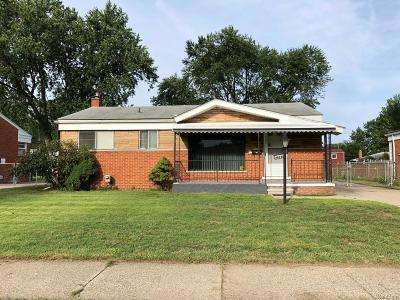 Macomb County Single Family Home For Sale: 24231 Joanne Avenue