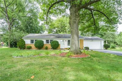 Commerce Twp Single Family Home For Sale: 2070 Canal Street