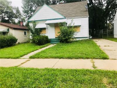 Detroit Single Family Home For Sale: 18058 Cardoni Street