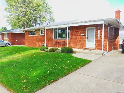 Livonia MI Single Family Home For Sale: $199,000