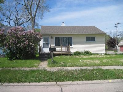 Madison Heights MI Single Family Home For Sale: $1,000